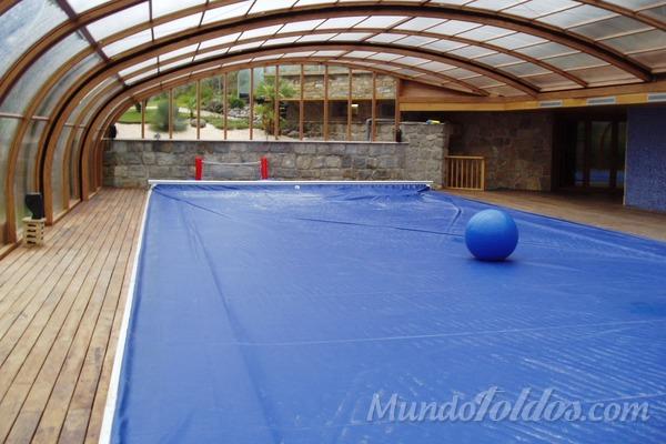 Cobertores para piscinas la mejor seguridad durante el for Piscinas de invierno